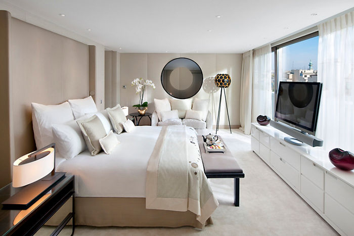 paris-suite-mandarin-royale-suite2.jpg