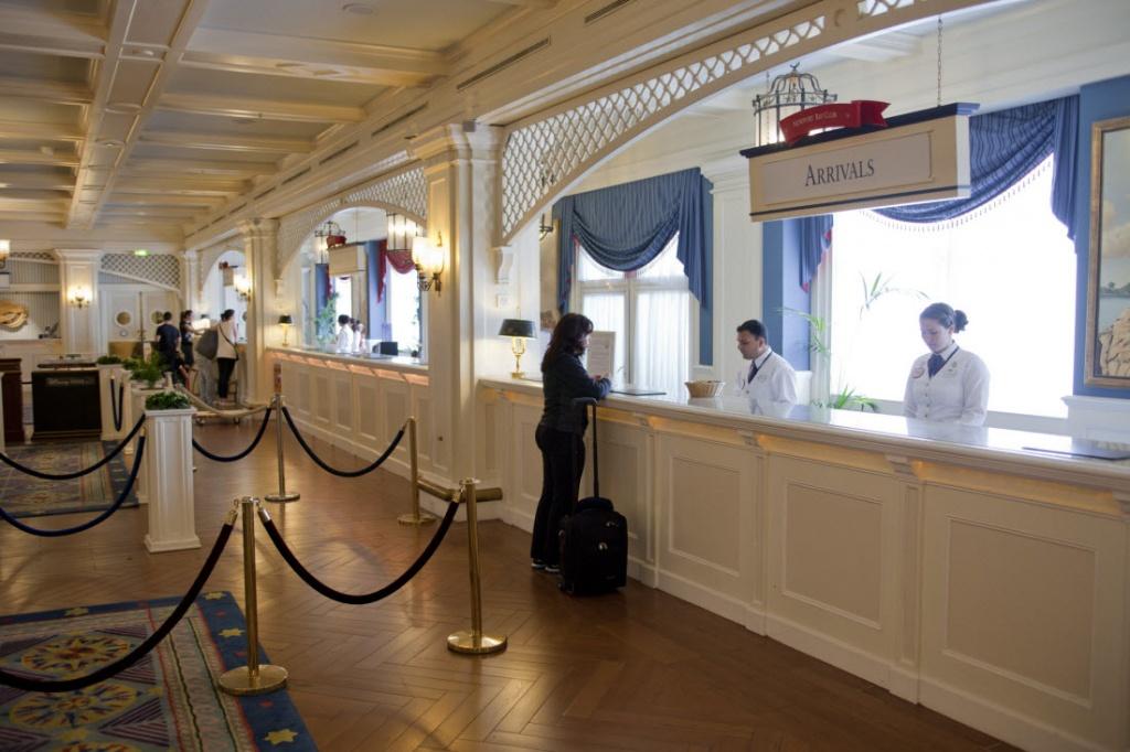 newport-bay-club-reception.jpg